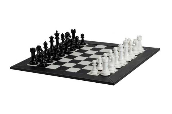 CHESS SET BLACK & WHITE 4.3""