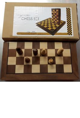 "WOOD FOLDING CHESS SET 7"" MAGNETIC"